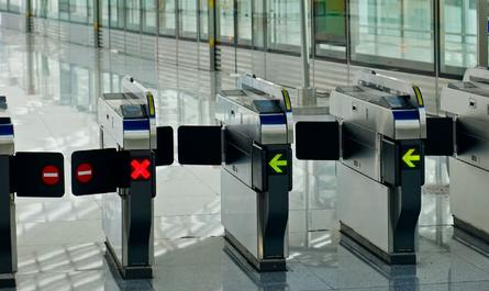 Механизм ограничения выезда граждан за границу