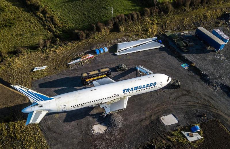 самолет Трансаэро без крыльев