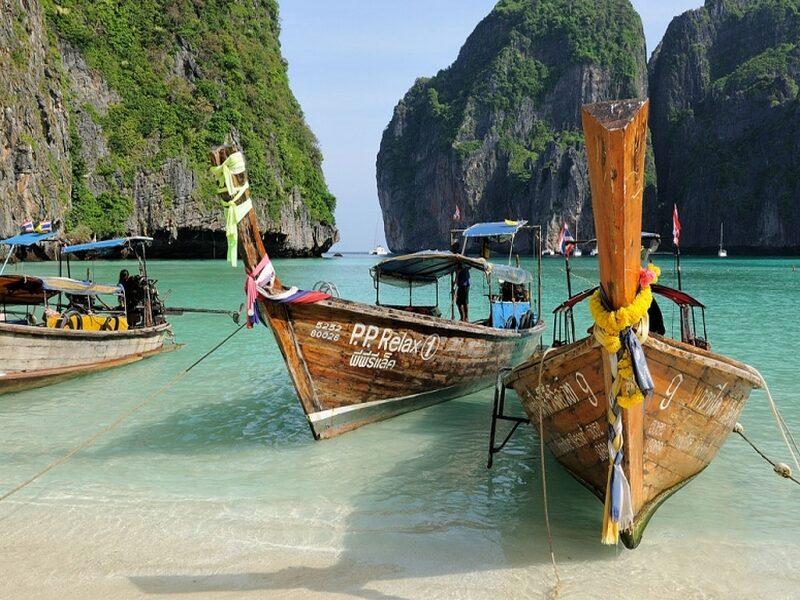 работа на лодке в Таи