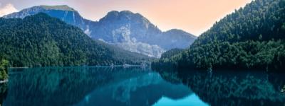 Как отдохнуть и что посмотреть в Абхазии и Крыму в 2021 году